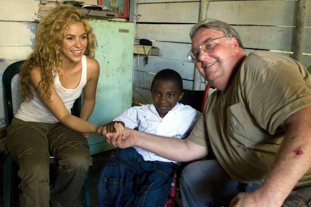 Cuarto hombre más rico del mundo donó $32 millones de dólares al desminado en Colombia