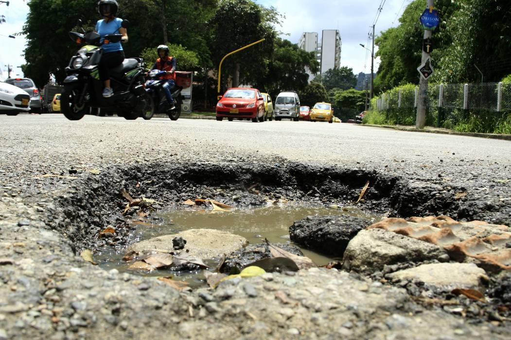 Alcaldía adjudicó contrato de mantenimiento de malla vial en Bucaramanga