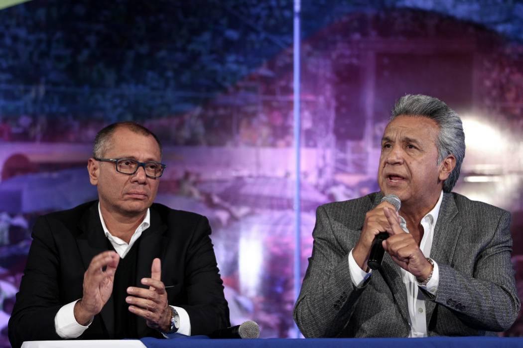 Presidente de Ecuador retira facultades a su vicepresidente