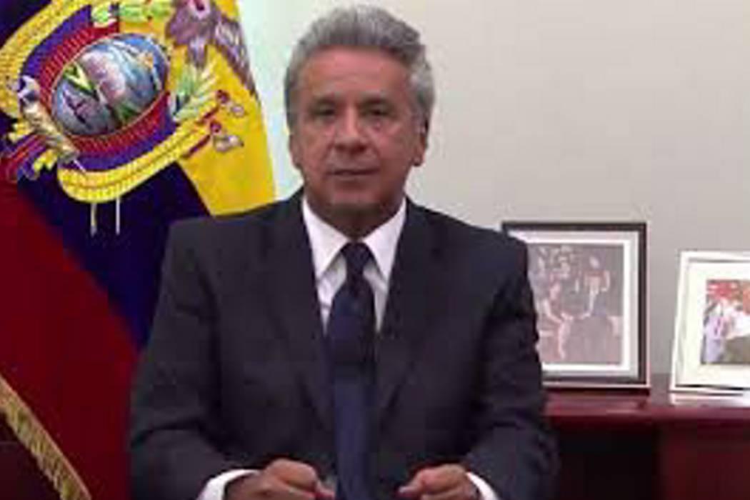 Presidente de Ecuador retira las funciones al vicepresidente Glas
