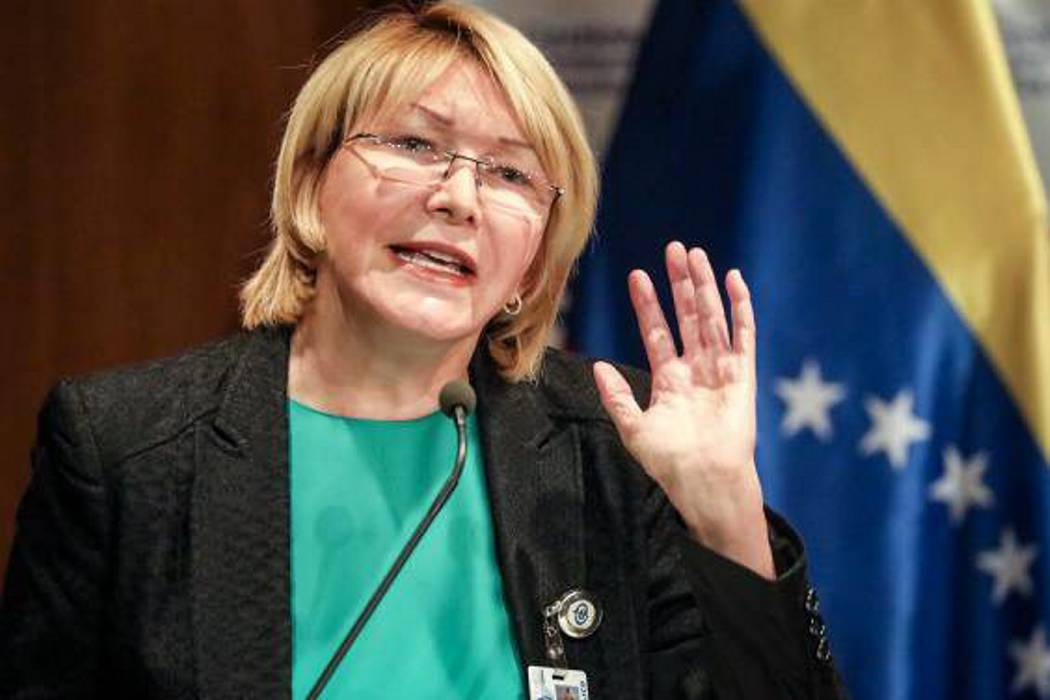 Destituida fiscal venezolana afirma que que el país está
