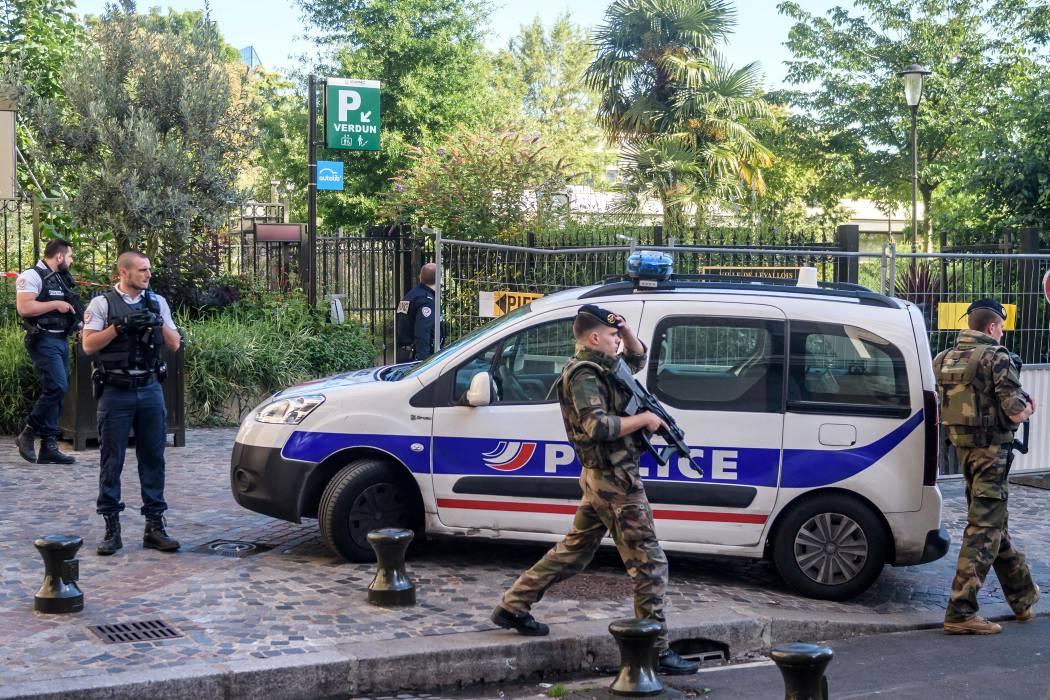 Confirman arresto del sospechoso del atropello de militares en París