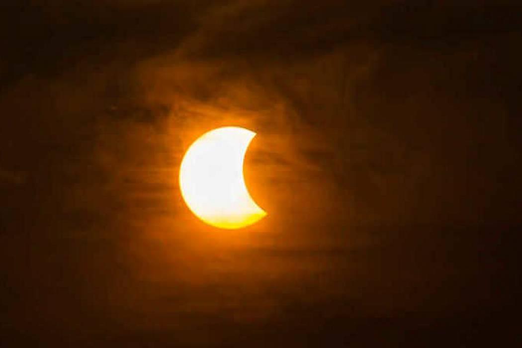 Así se percibe este lunes el eclipse en Bucaramanga