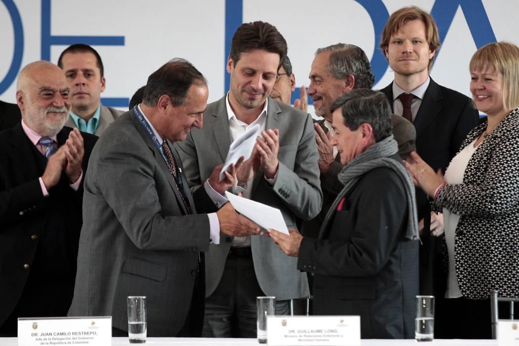 Santos anunció cese al fuego bilateral con el Eln