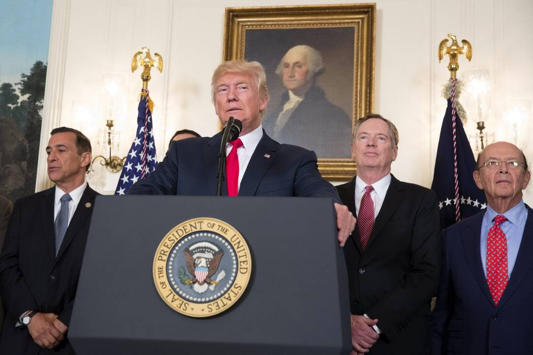 Trump elimina programa que protegía a niños indocumentados