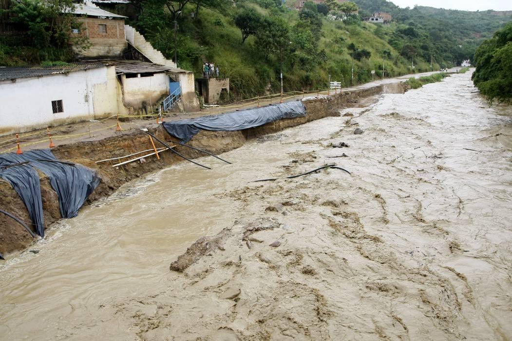 Declaran Alerta Roja por ríos crecidos en Santander
