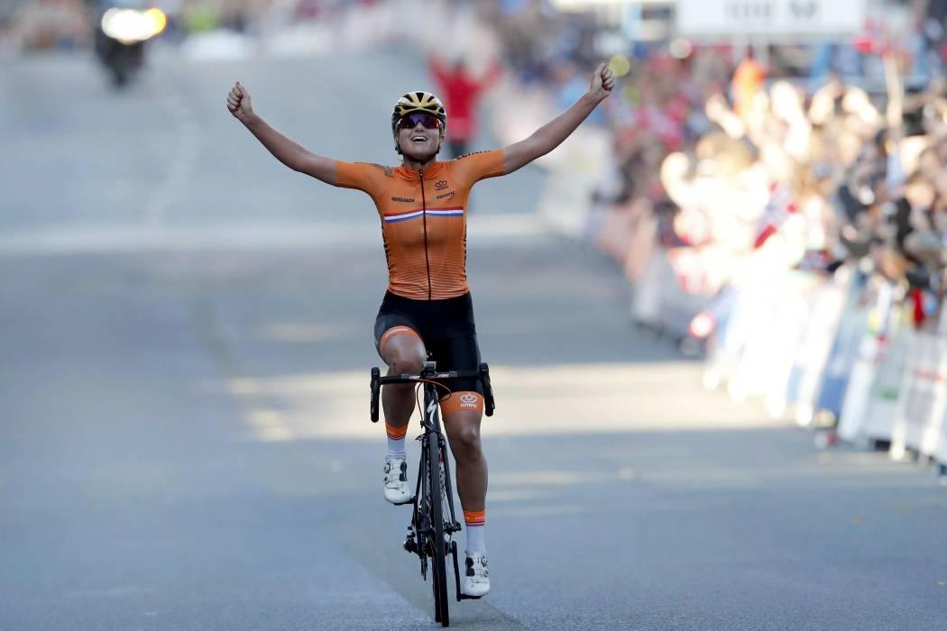 La holandesa Chantal Blaak se proclamó campeona en el Mundial de Ciclismo