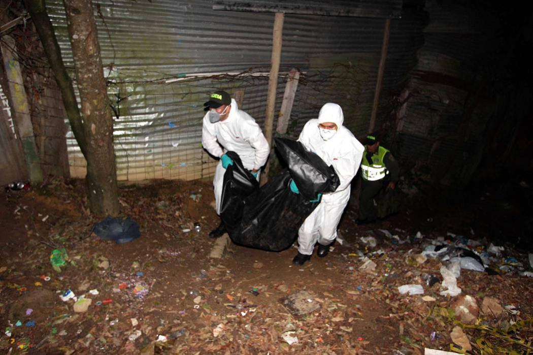 Asesinan a una mujer debajo del viaducto de La Novena en Bucaramanga