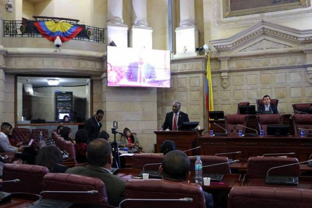 Senado inicia discusión de ley que busca eliminar a las EPS