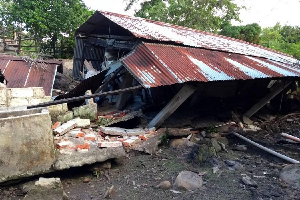 Evacuan 38 familias por deslizamiento de tierra en San Vicente de Chucurí