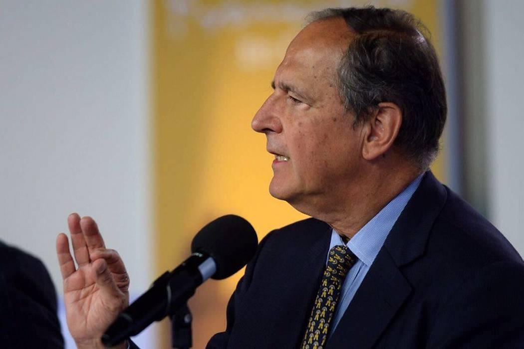 Juan Camilo Restrepo se retira de la mesa de diálogos con el Eln