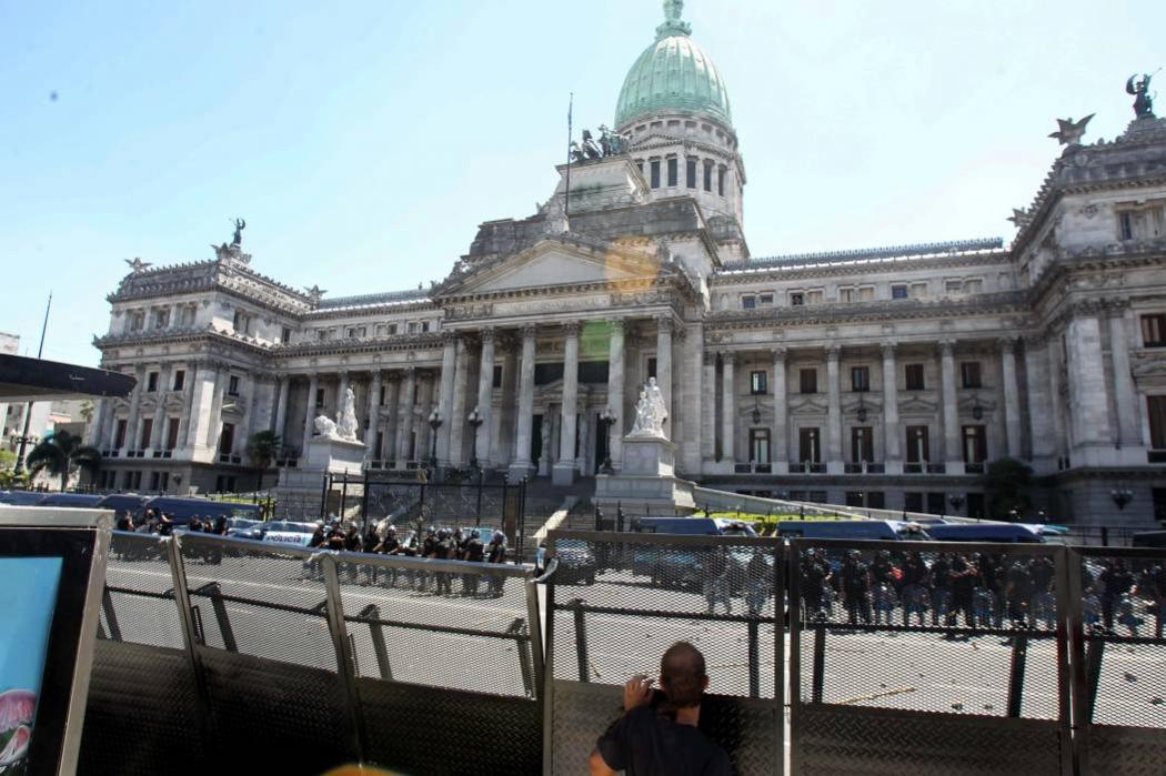 Pese a las protestas, Congreso argentino aprobó reforma pensional