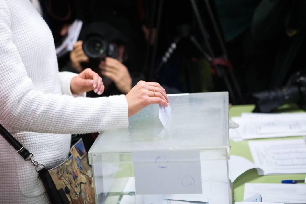Independentistas catalanes confirman mayoría absoluta de escaños al 82,5%