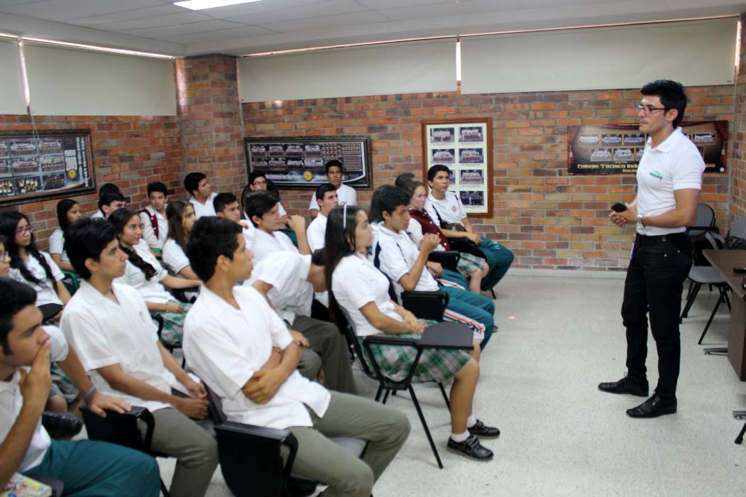 Hasta el 22 de enero, las instituciones educativas oficiales regresarán a clase