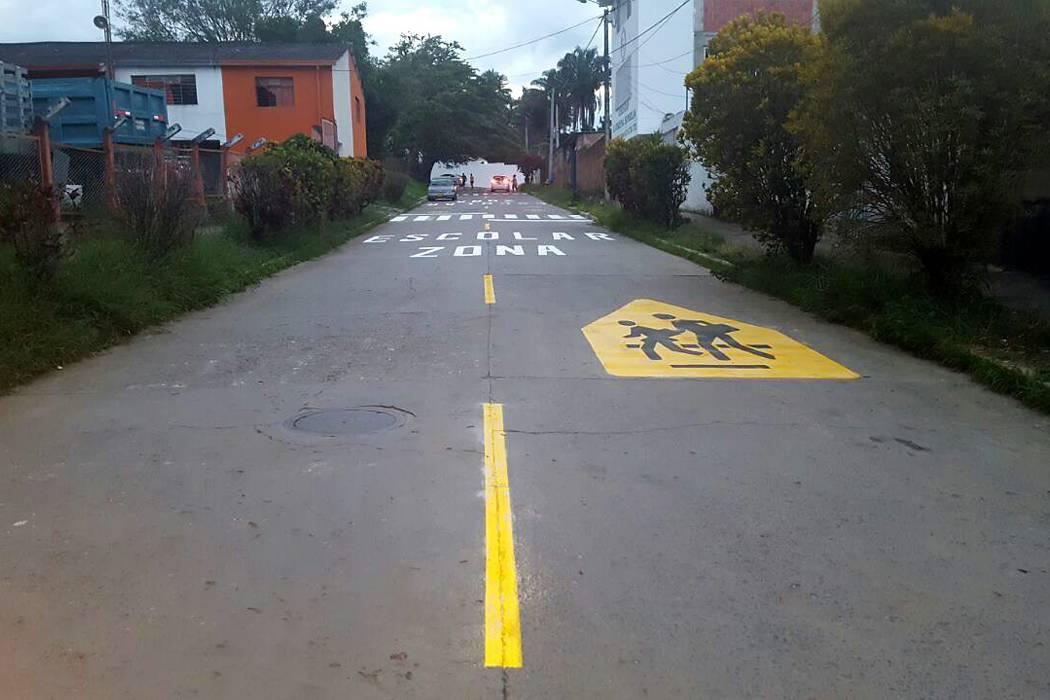 Avanzan obras de proyecto  de señalización vial