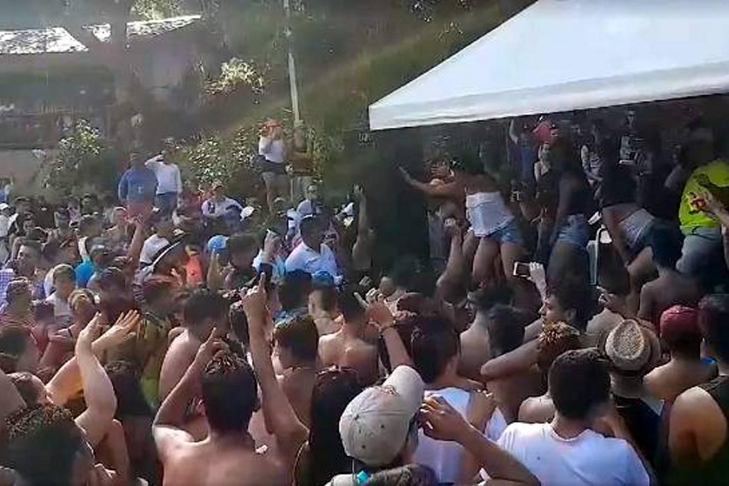 Investigan festival de camisetas mojadas en San Gil con presencia de menores de edad