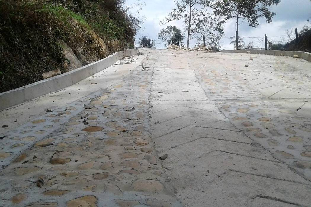Un arreglo vial afectaría una fuente hídrica en vereda de Piedecuesta