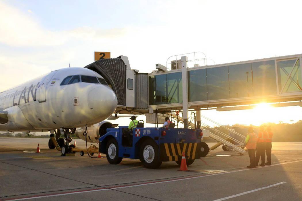 Santos inauguró ampliación de Aeropuerto de Bucaramanga