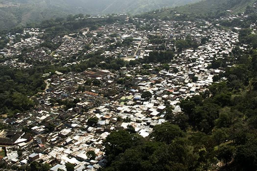 Alcaldía proyecta legalizar 1.531 predios de seis sectores durante este semestre