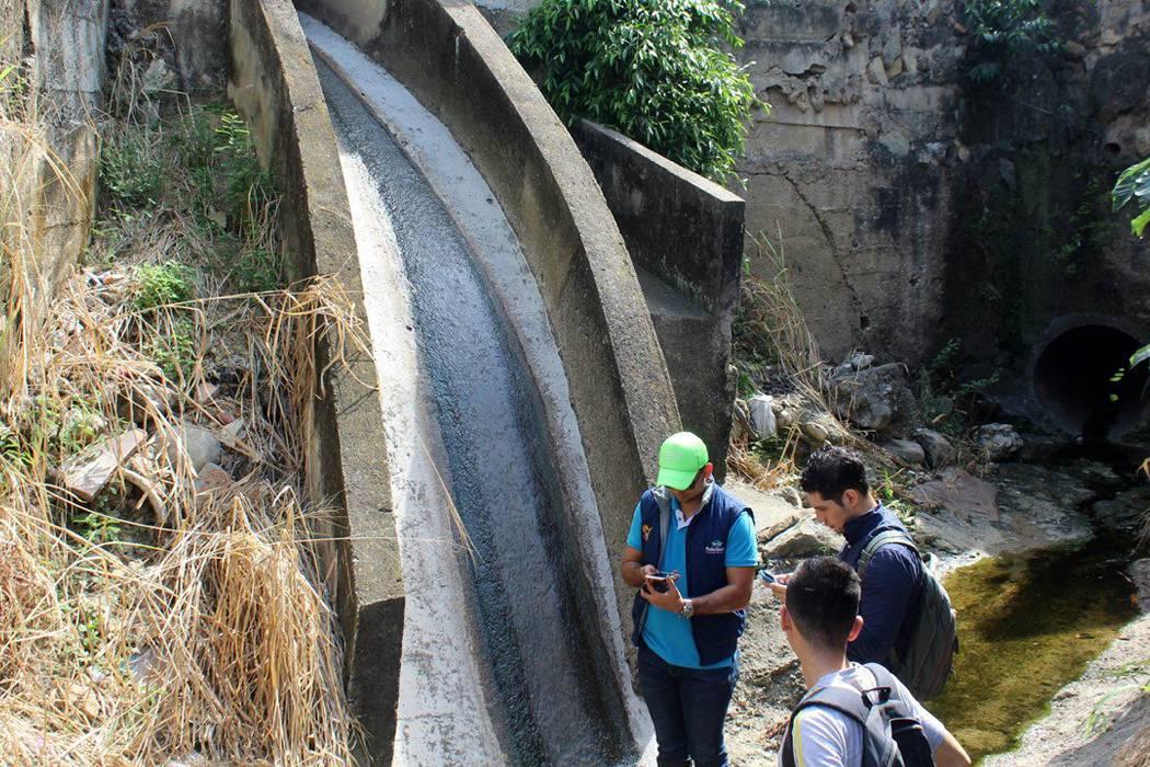 Por contaminación se caracterizan las fuentes hídricas de Piedecuesta