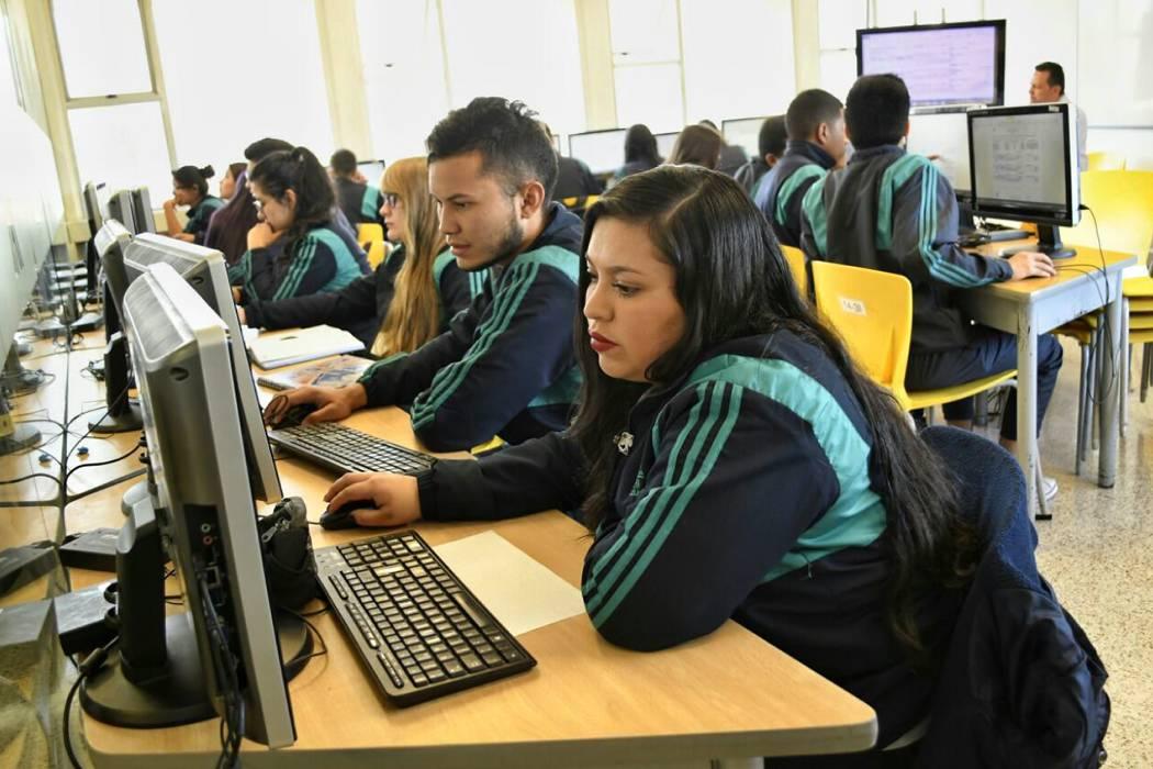 El Sena ofrece 18 mil cupos en programas de formación virtual