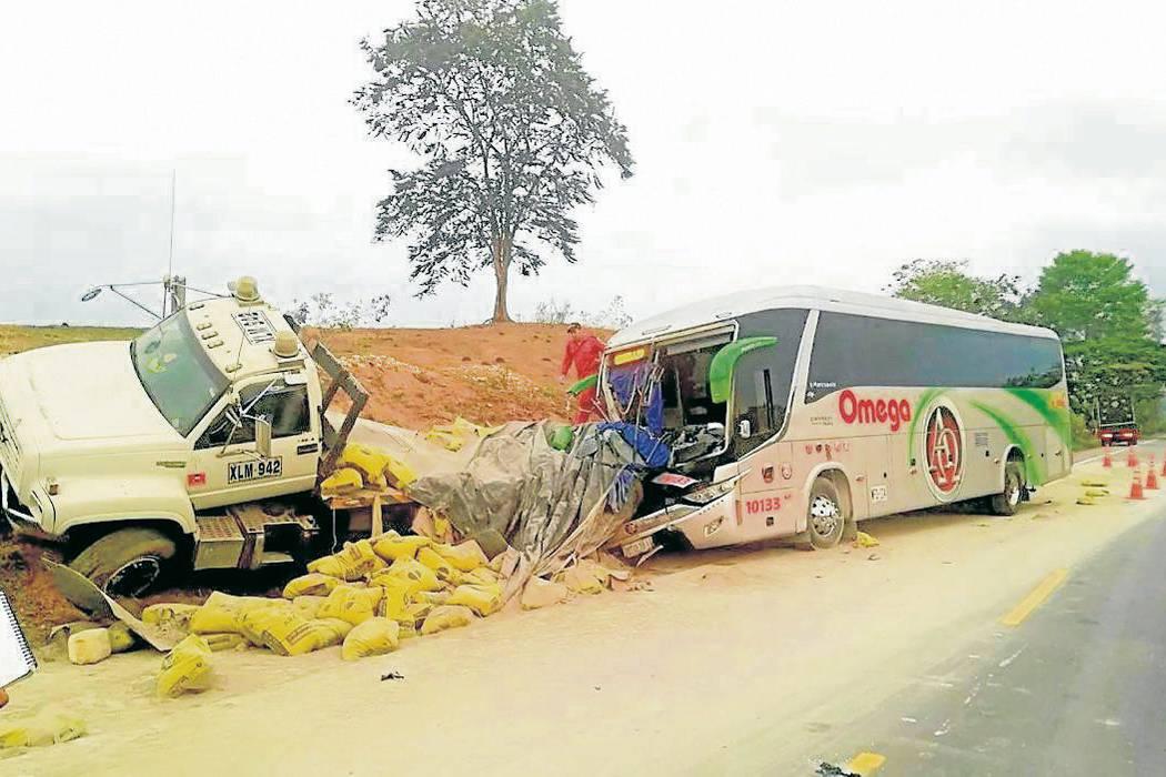 Un muerto y siete heridos en accidente en la Lizama