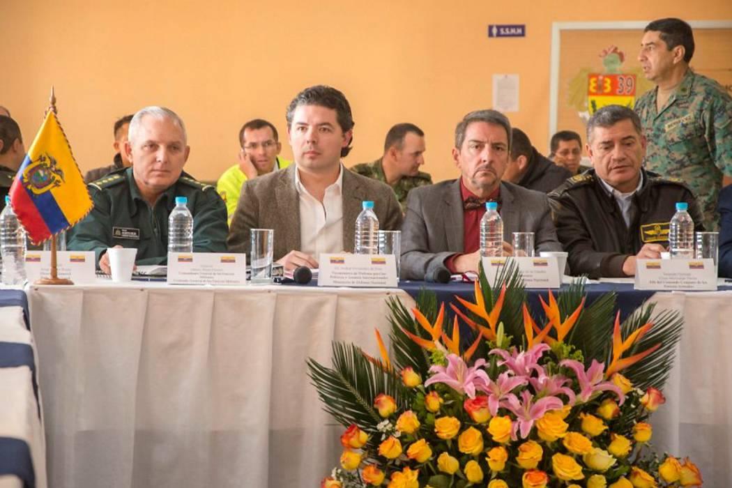 Colombia y Ecuador se reúnen para analizar ataques en zona fronteriza