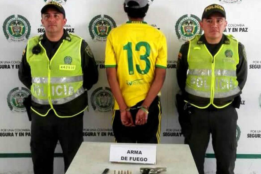 Hincha del Bucaramanga fue capturado por porte ilegal de armas