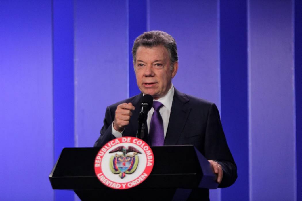 """""""Los cuerpos sí están del lado colombiano"""": Juan Manuel Santos"""