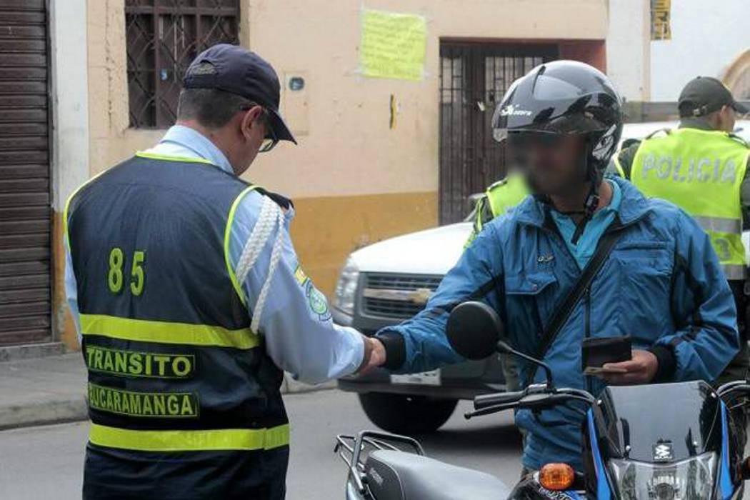 No hay pruebas sobre nexos de agentes con la 'piratería': Tránsito de Bucaramanga