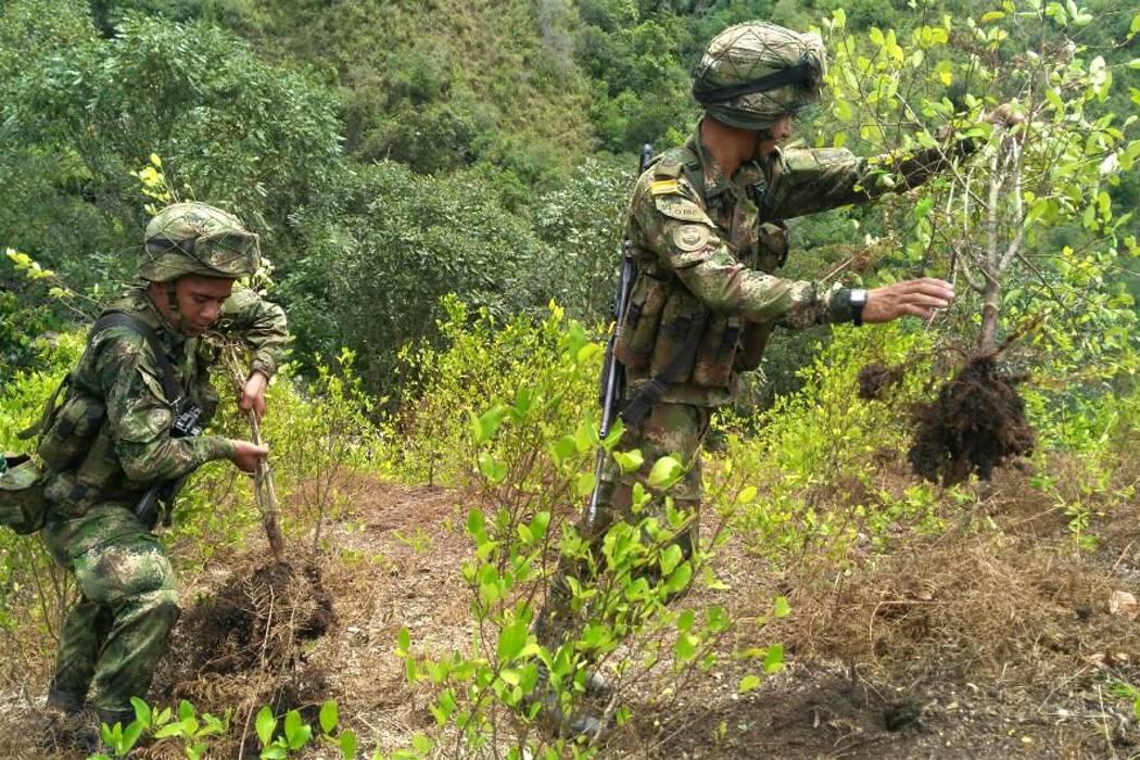 Un soldado murió y otro resultó herido tras pisar una mina en frontera con Ecuador