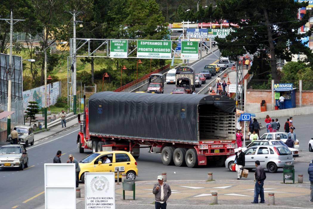 'Cooperación de Fuerza Pública se mantendrá en la frontera con Ecuador': Mindefensa