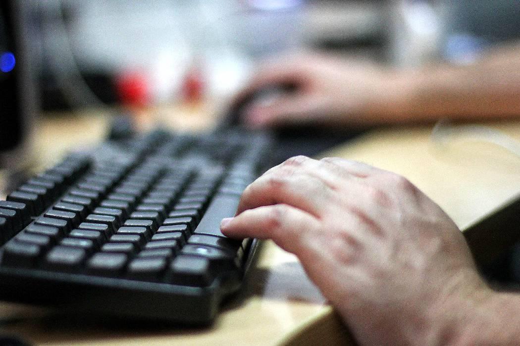 126 colegios oficiales de Bucaramanga van a cumplir dos meses sin conexión a internet