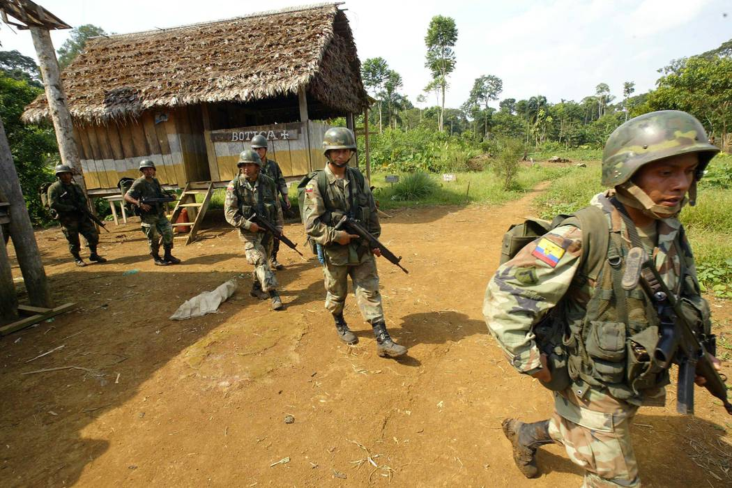 Ejército ecuatoriano busca a militar desaparecido en frontera con Colombia