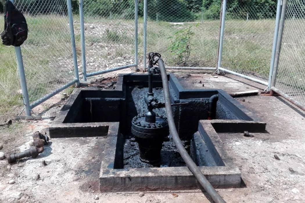 Denuncian que hay actividad en pozo petrolero abandonado en Santander