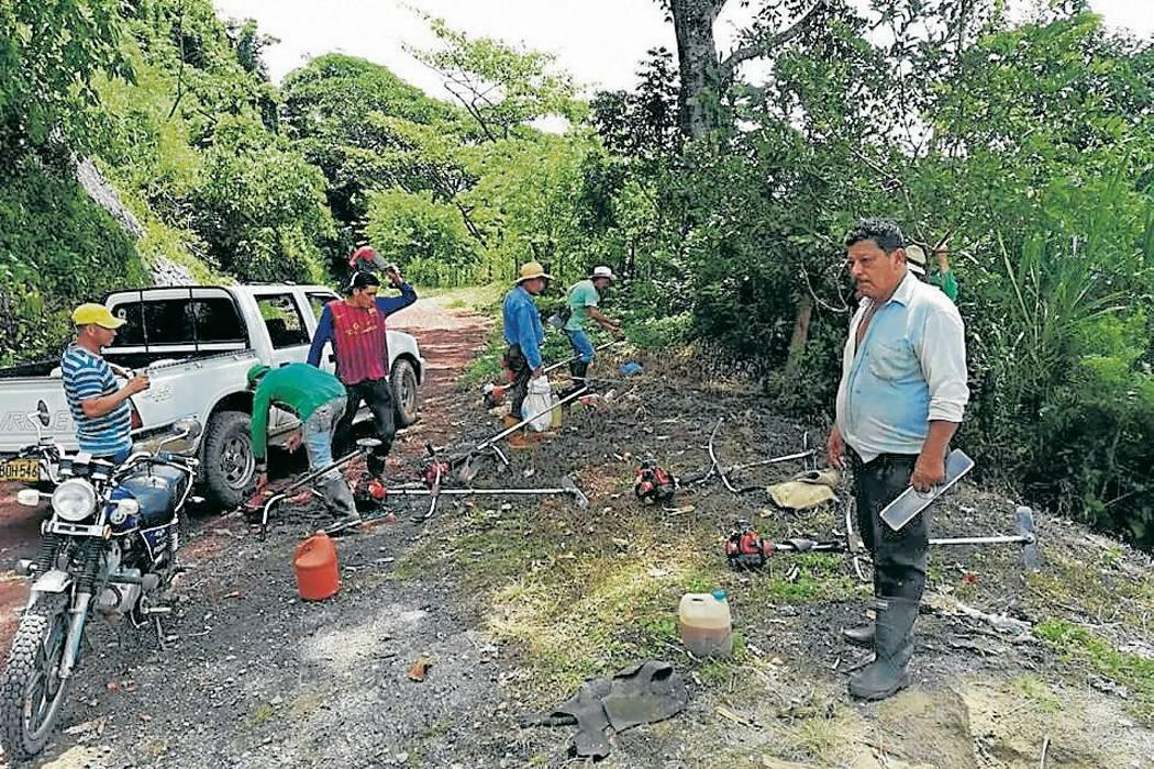 Comunidad y Alcaldía se unen para recuperar vías en mal estado