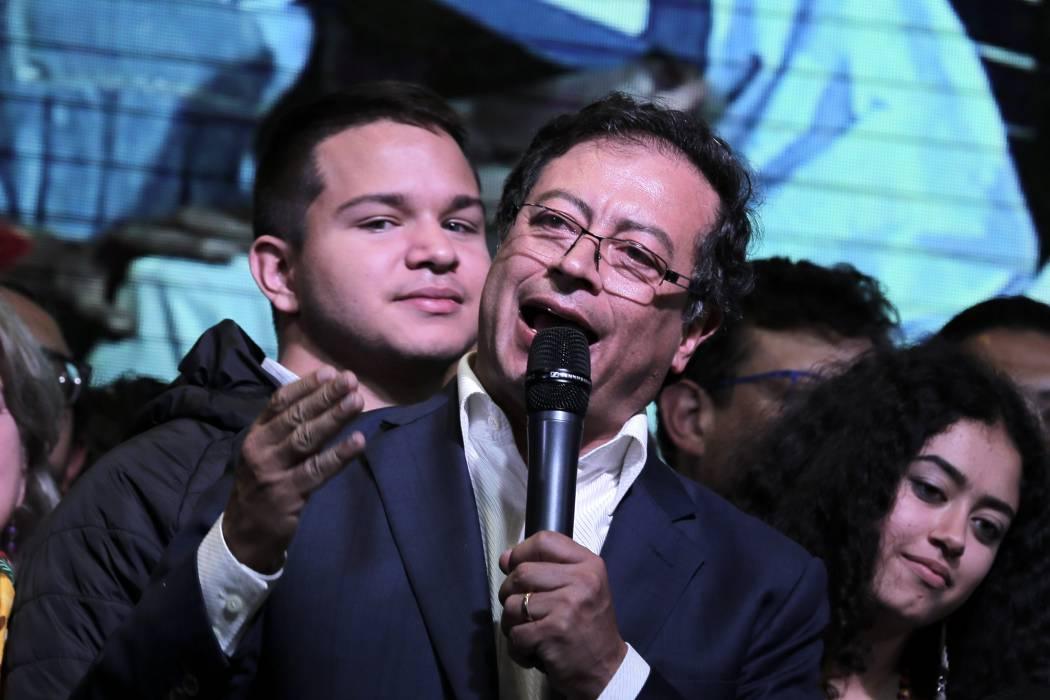 SIC pide al Congreso le sea embargado parte del salario a Gustavo Petro