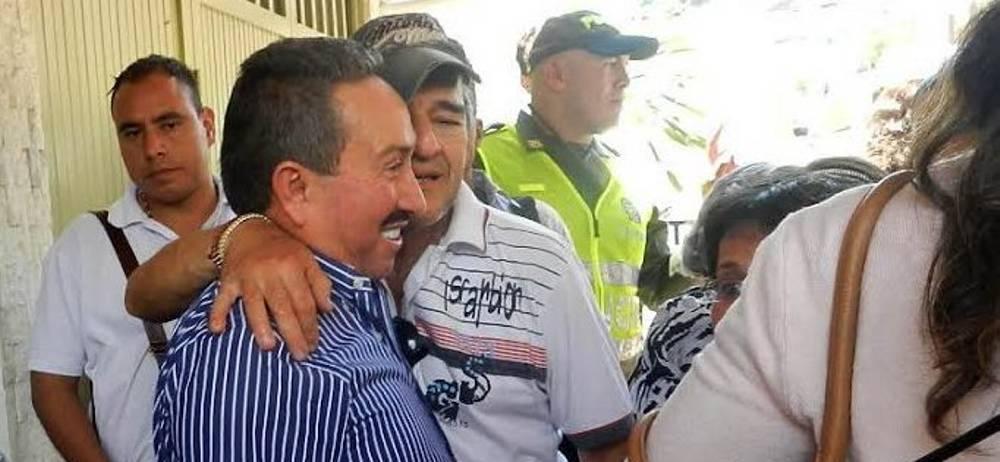 Coronel Hugo Aguilar salió este martes de la cárcel de San Gil