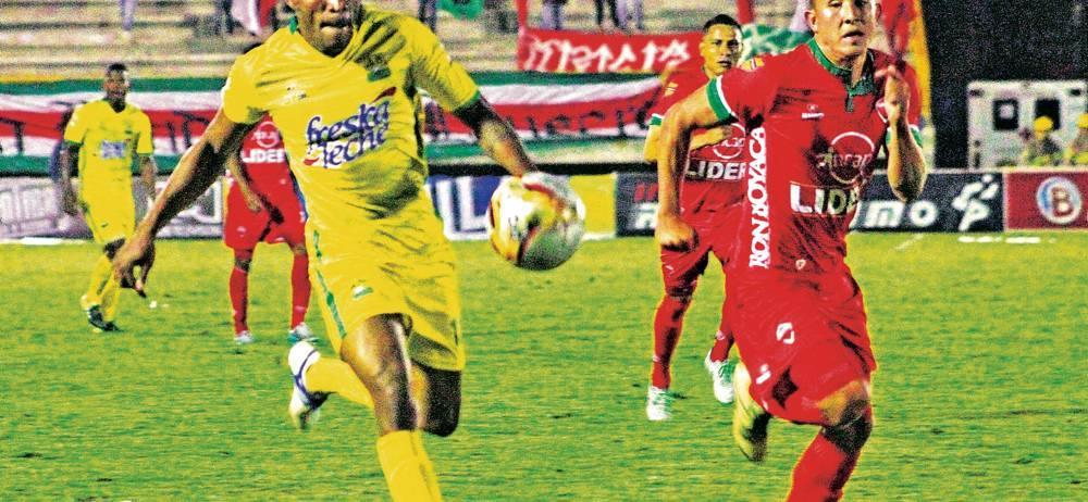 Atlético Bucaramanga se estrenó en calidad de visitante en la Liga Águila I de 2016, con un empate 3-3 ante Patriotas de Boyacá. Por el conjunto 'leopardo' anotaron Stewart García en dos ocasiones y Daniel Cataño, mientras que Patriotas celebró mediante Kevin Rendón, Jorge Ramírez y Edis Ibargüen.