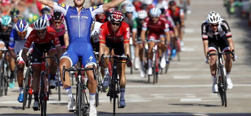 El ciclista italiano del equipo Quick-Step, Matteo Trentin, ganó la cuarta etapa de la Vuelta a España, con meta en Tarragona, jornada en el que el equipo Manzana Postobón fue protagonista.