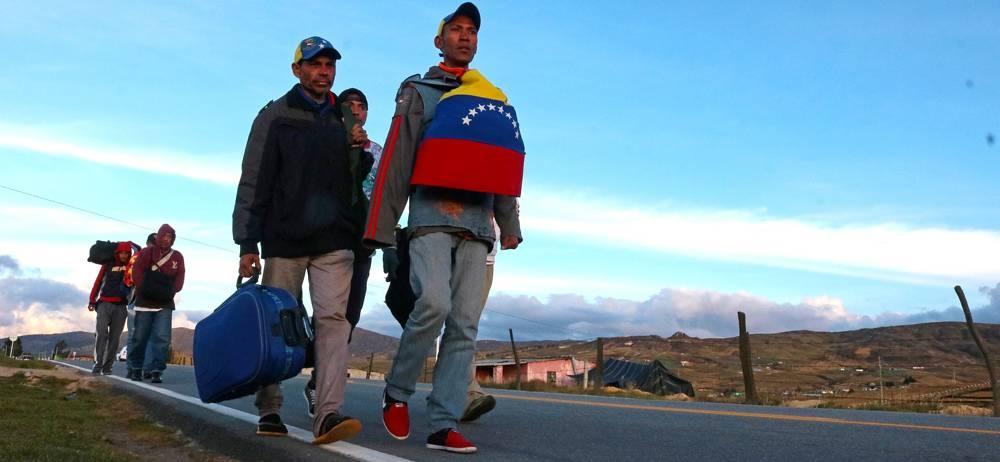 Buscar comida es la motivación común entre los venezolanos que siguen migrando a Colombia.