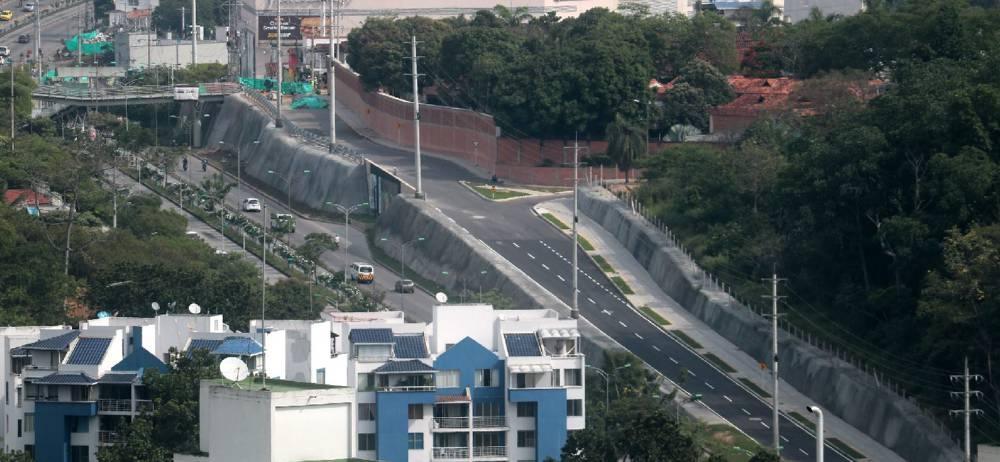 Gran parte del primer tramo de dicha paralela, comprendido entre Tcc y Telebucaramanga, está prácticamente listo para su uso. Según las autoridades, tal trayecto tiene un avance del 85%.