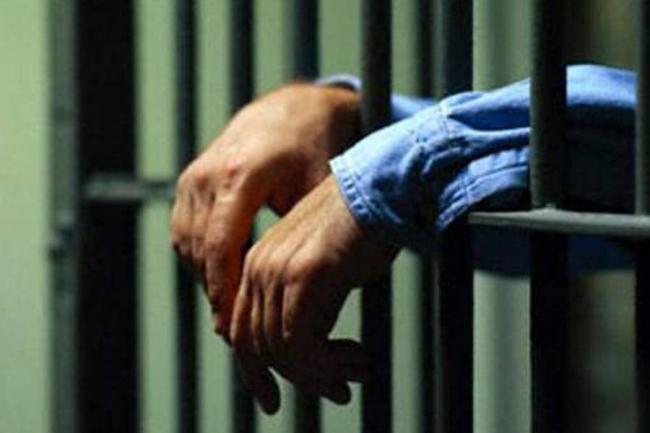 Resultado de imagen para hombre preso