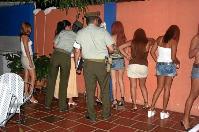 menores prostitutas sinónimos actividad
