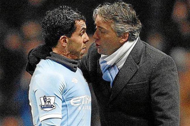 Tevez confiesa que casi se va a los golpes con Mancini y pide perdón al City
