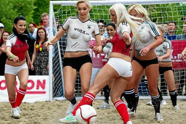 En La Eurocopa Er Tica Dinamarca Gole A Alemania Berl N