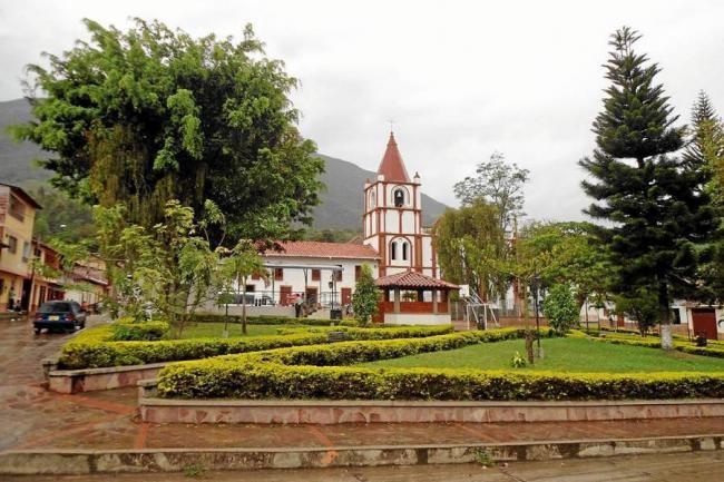 profesional Virgen tetas cerca de Santander