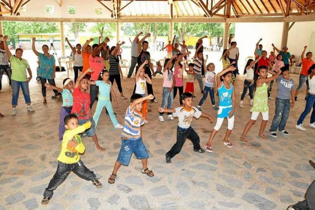 Inician las vacaciones recreativas for Actividades recreativas en el salon de clases