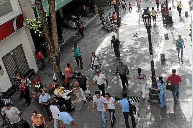 Paseo del comercio debe seguir siendo peatonal for Amoblamiento urbano