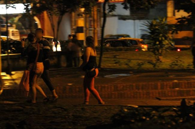 gimiendo numeros de putas venezuela